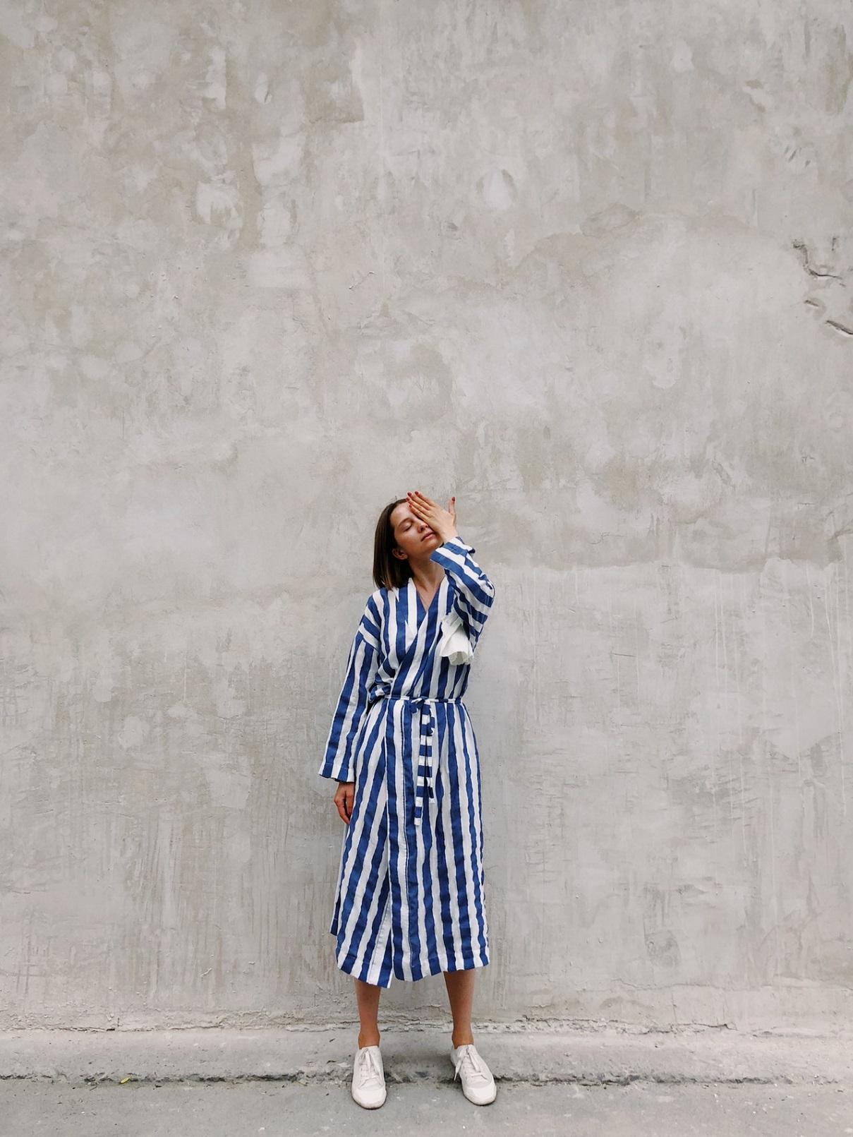 rochia tip camasa albastra cu dungi albe